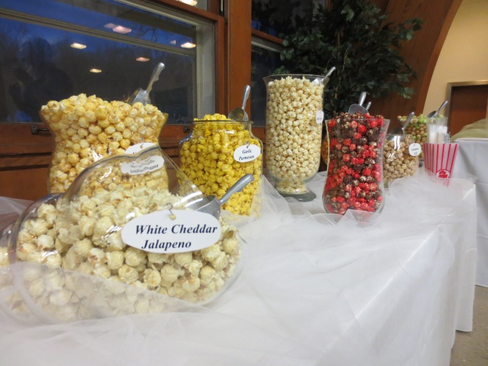 Pop Corn Bar with 9 different flavors