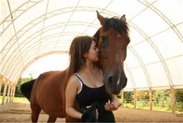 horse-with-girl